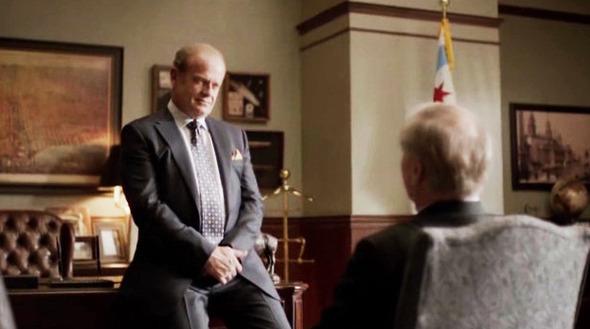 Эпизод 3. Загнанный в угол губернатор пытается убедить Кейна отложить поддержку Зейджака на четыре года. Мэр выгоняет того из кабинета . Изображение № 31.