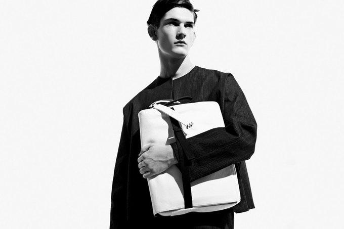 Никомеде Талавера, дизайнер,  одевающий парней в платья. Изображение № 1.