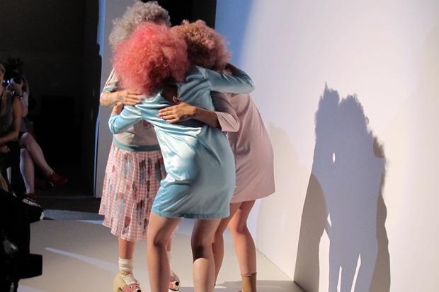Дневник стилиста: Тесс Йопп о старушках, девочке-капкейк и облитой Джорджии Мэй Джаггер. Изображение № 15.