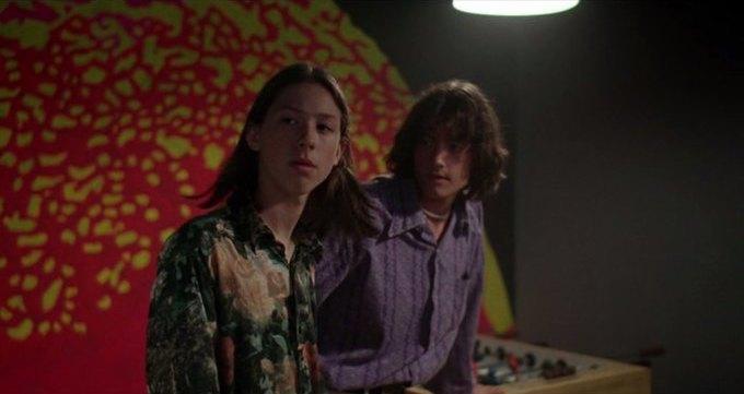 Что можно узнать о стиле 70-х из фильма «Под кайфом и в смятении». Изображение № 47.