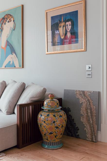 Дизайнер Linen Sky Инга Иванова у себя в гостиной. Изображение № 5.