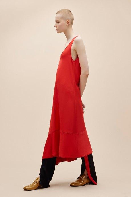 С чем носить  платья-комбинации:  8 модных образов. Изображение № 7.