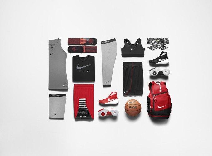 Nike выпустили коллекцию женской баскетбольной одежды. Изображение № 3.