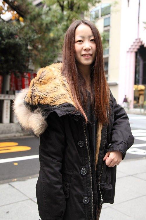 Красные шапки и бархатные ботинки на улицах Токио. Изображение № 11.