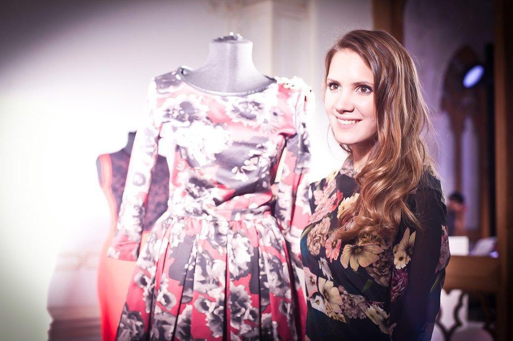 Репортаж: Бархатные платья  и светящиеся кубы на LUBLU Kira Plastinina FW 2013. Изображение № 1.