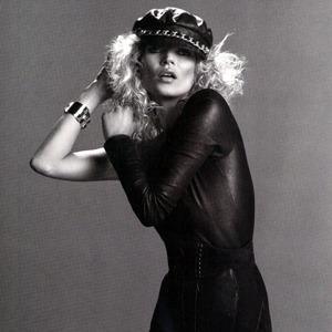 Парижская неделя моды: Показы Chanel, Valentino, Alexander McQueen и Paco Rabanne. Изображение № 39.