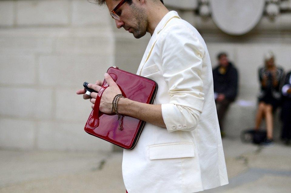 Парень в камуфляже, девушка-Микки-Маус и другие гости Paris Fashion Week. Изображение № 17.