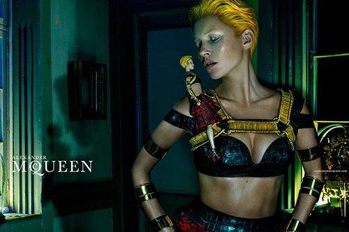 Кейт Мосс стала новым лицом Alexander McQueen. Изображение № 5.