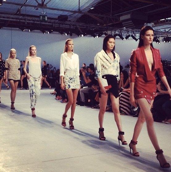 Главные показы  первого дня Paris Fashion Week. Изображение № 2.