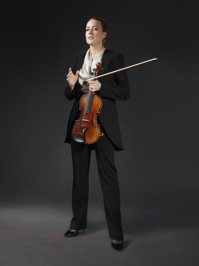 Вивьен Вествуд создала костюмы для симфонического оркестра. Изображение № 2.