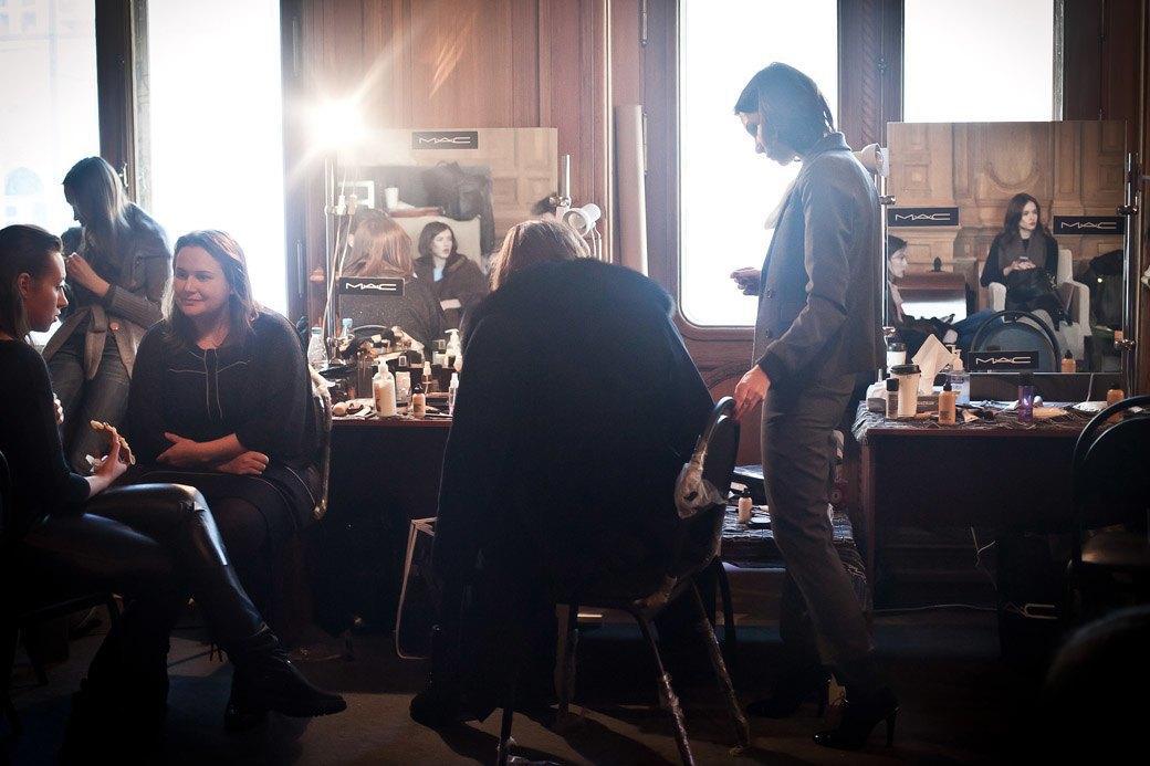 Репортаж: Бархатные платья  и светящиеся кубы на LUBLU Kira Plastinina FW 2013. Изображение № 12.