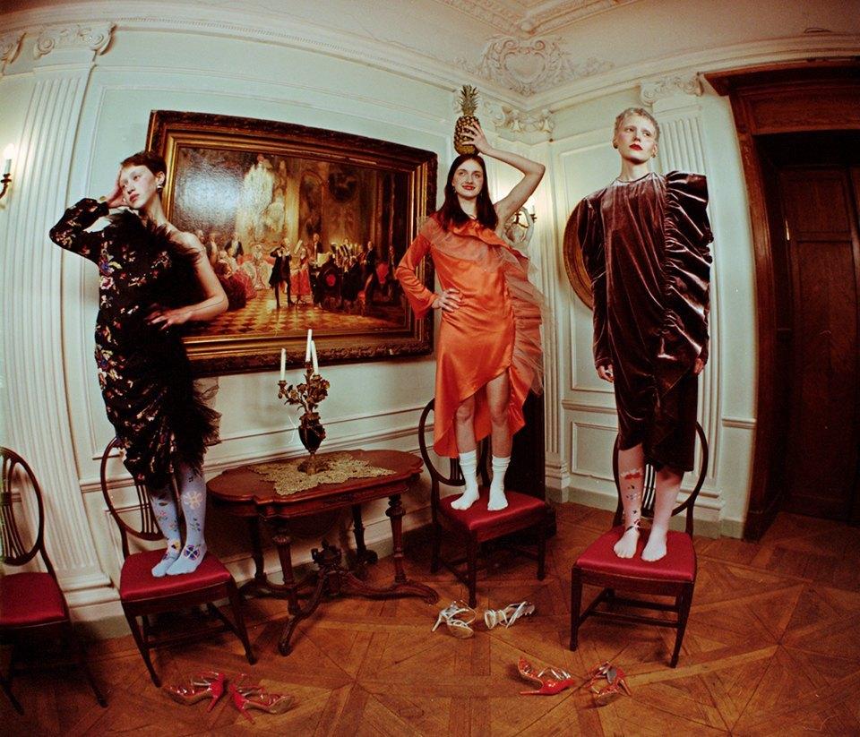 Съёмка Юлдус Бахтиозиной для Naya Rea по мотивам пьесы «Три сестры». Изображение № 15.