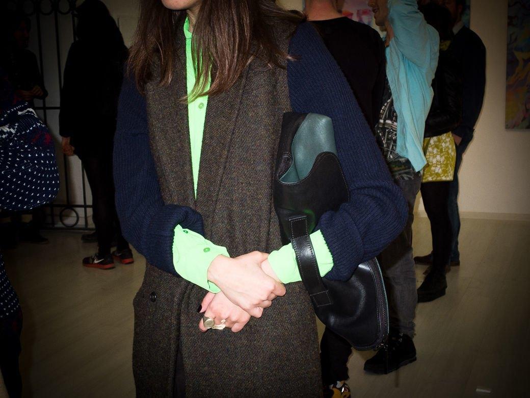 Кроссовки и свитшоты на посетителях выставки «Мифология online». Изображение № 22.