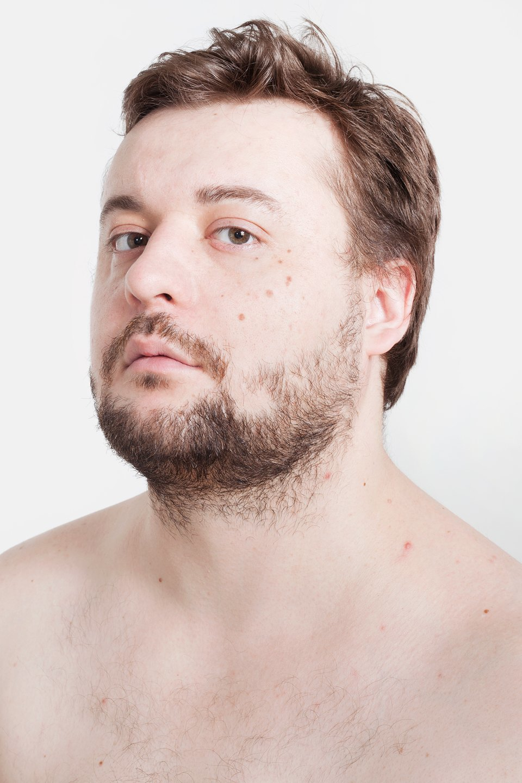 Голые и серьёзные:  Мужчины об отношении  к своему телу. Изображение № 8.