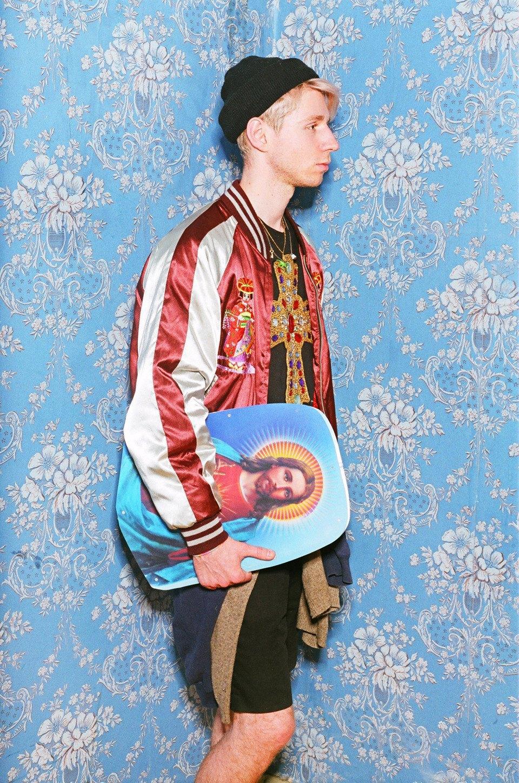 Все лучшее сразу: Московские модники в самой нарядной одежде из своего гардероба. Изображение № 9.