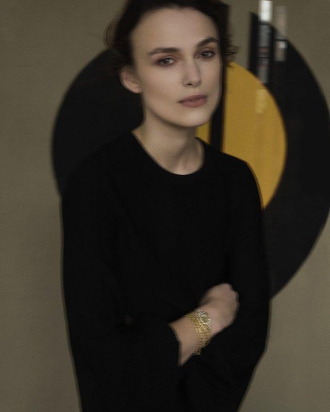 Кира Найтли снялась  в рекламе ювелирной коллекции Chanel. Изображение № 3.