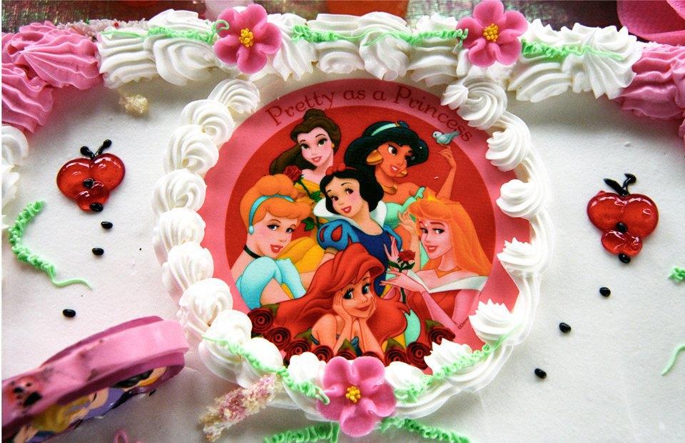Принцессы и супергерои: Как отмечают детские  дни рождения. Изображение № 4.