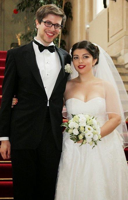 Это по любви:  Девушки о своих свадебных платьях. Изображение № 8.