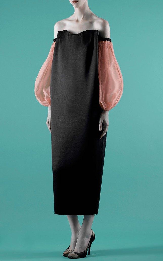 Шелковые пальто и платья с фламинго в новом лукбуке Vika Gazinskaya. Изображение № 9.