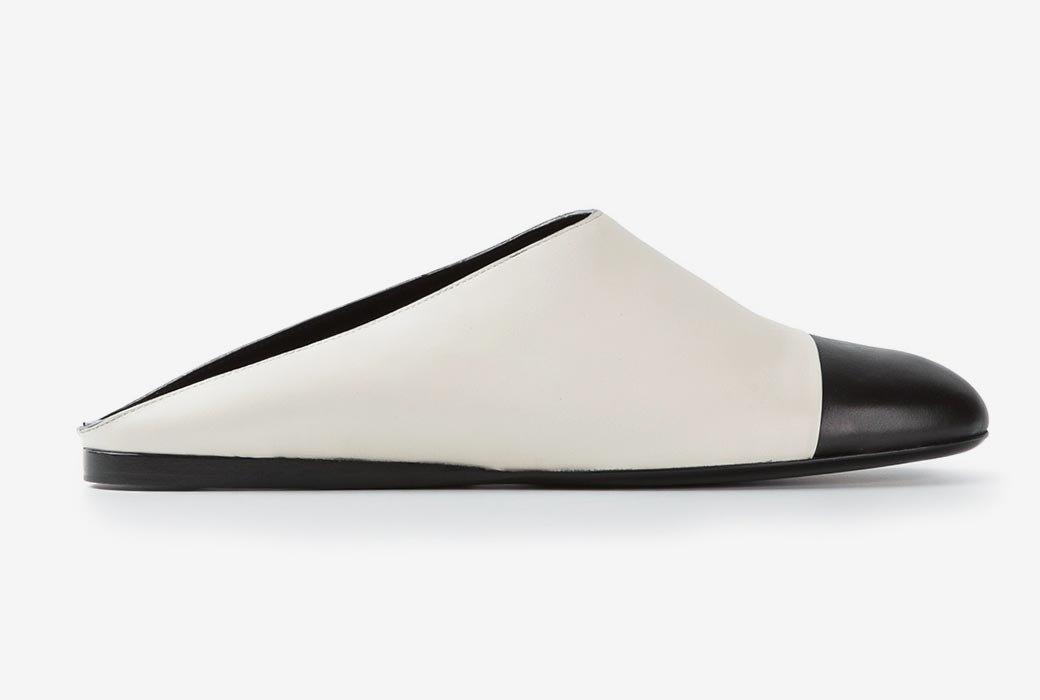 Монохромные блоферы Calvin Klein . Изображение № 1.