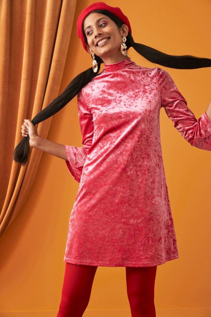 60-летняя модель снялась  в лукбуке Monki . Изображение № 2.