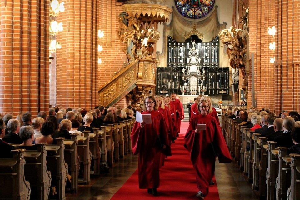 10 церквей, которые не преследуют гомосексуальность  . Изображение № 2.