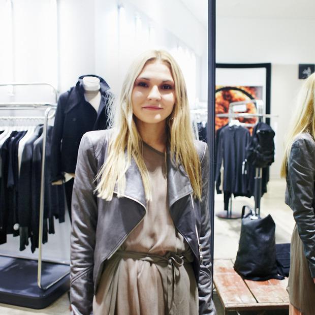 Грош цена: Люди на Fashion's Night Out о самых выгодных покупках. Изображение № 31.