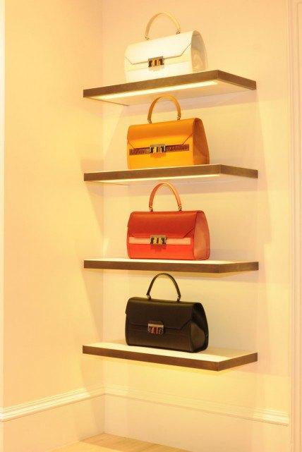 Открылись новые магазины M.A.C, Oscar de la Renta и других марок. Изображение № 4.