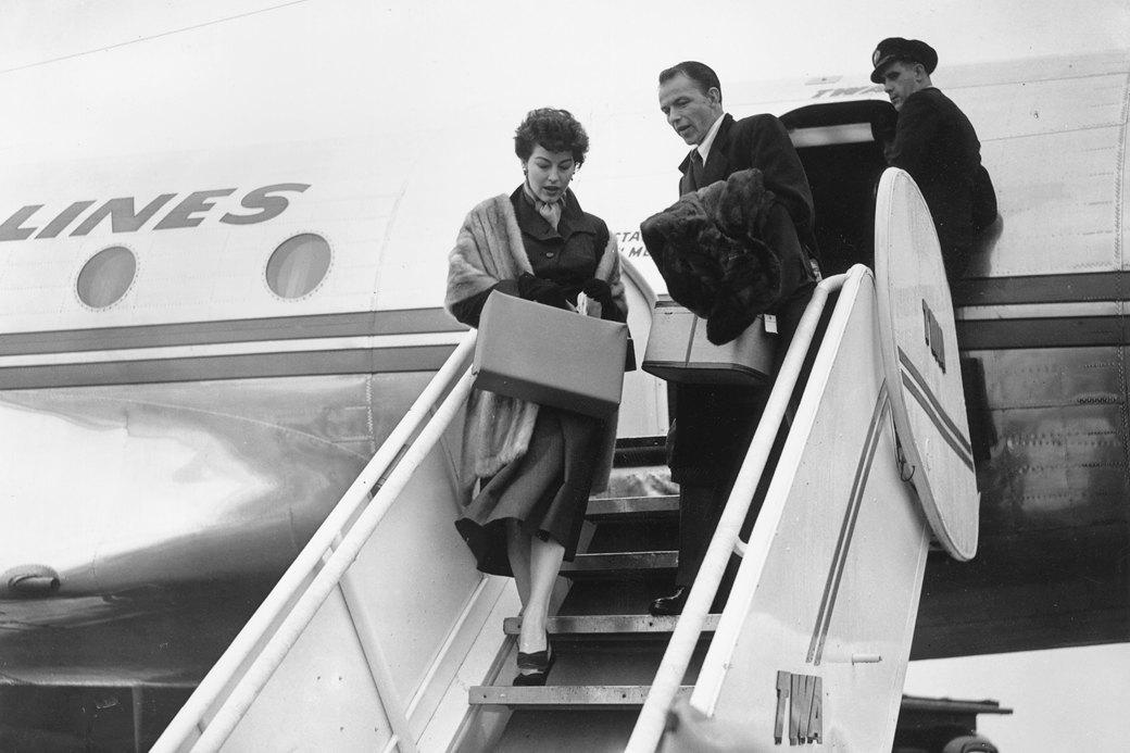 Одеться в полёт: Почему нет комфортного стиля «для аэропортов». Изображение № 1.
