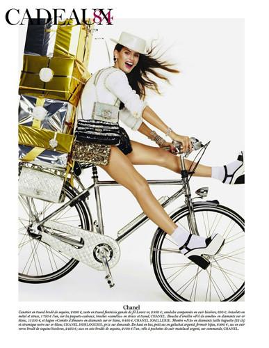 Съемка из французского Vogue, декабрь 2011 / январь 2012. Изображение № 49.
