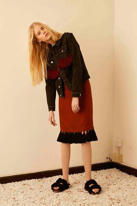 С чем носить  платья-комбинации:  8 модных образов. Изображение № 17.