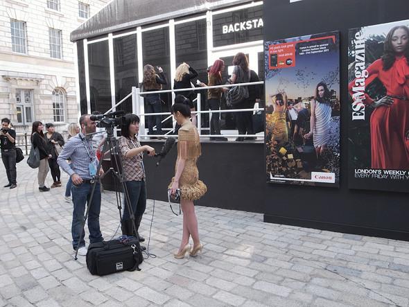 London Fashion Week: Репортаж с первого дня. Изображение № 9.