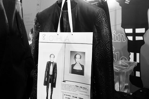 Бэкстейдж Gareth Pugh: Алые платья и «заплаканные» модели. Изображение № 11.