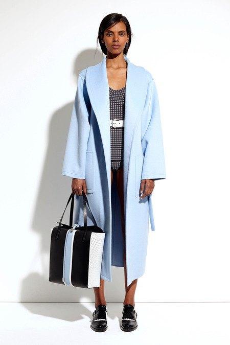 Пальто и костюмы в лукбуке новой коллекции Michael Kors. Изображение № 14.
