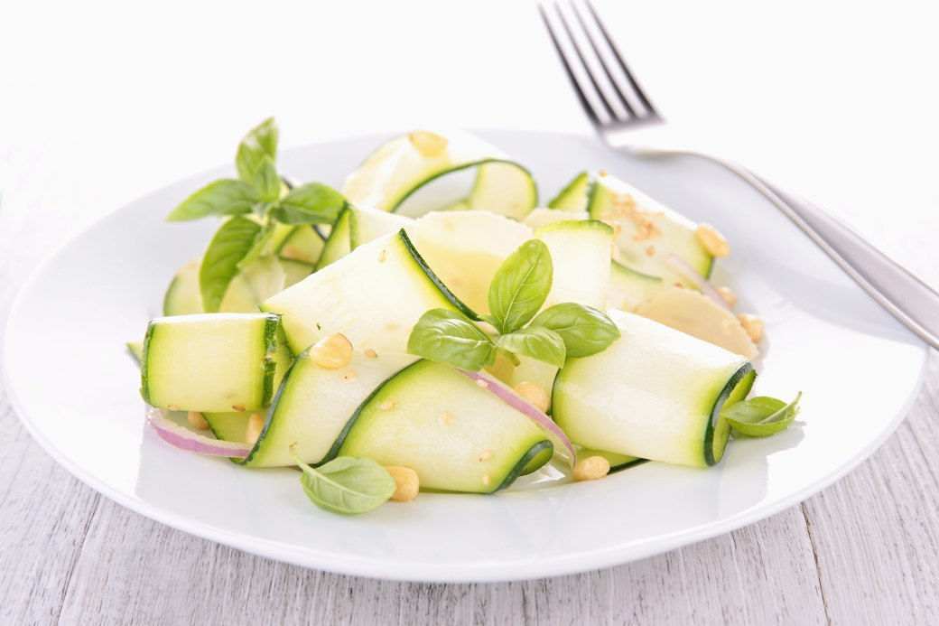 10 легких, но сытных  летних салатов. Изображение № 2.