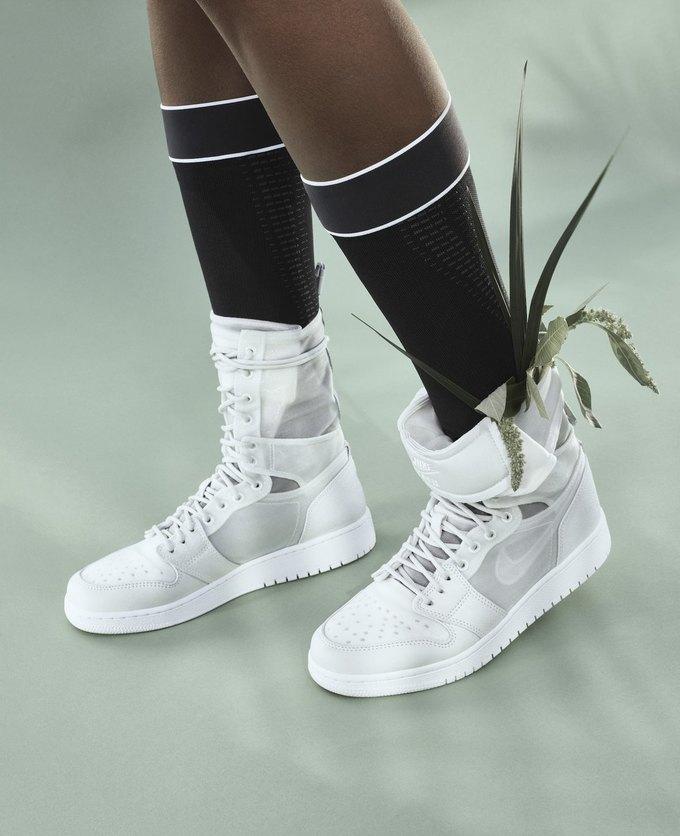 14 женщин-дизайнеров переосмыслили культовые кеды Nike. Изображение № 5.