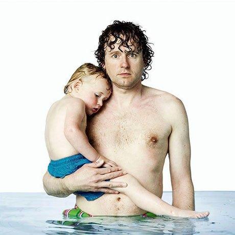 «Фото в купальнике»:  Отцы и дети в бассейне . Изображение № 4.