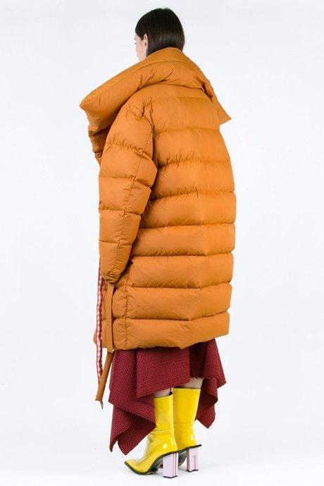 Огромные пуховики: Главная верхняя одежда зимы. Изображение № 3.