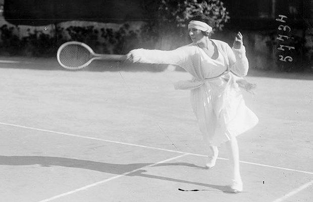 Спортивная форма  для женщин:  От эмансипации  к объективации. Изображение № 2.