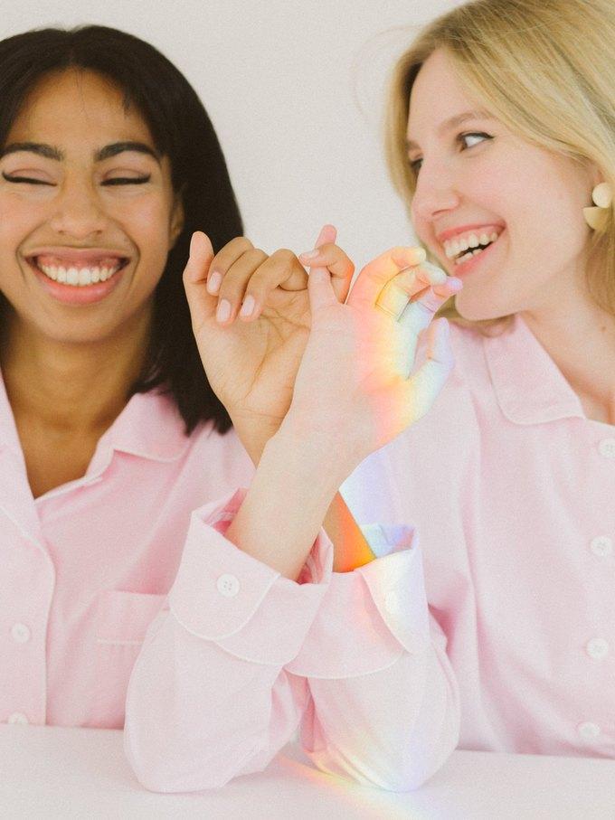 Sleeper запустили новую кампанию по борьбе  с раком груди. Изображение № 4.