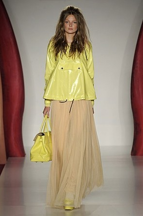 London Fashion Week: Jonathan Saunders и Mulberry. Изображение № 20.