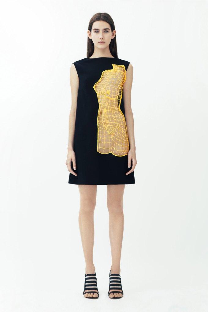3D-модели женских торсов в круизной коллекции Christopher Kane. Изображение № 7.
