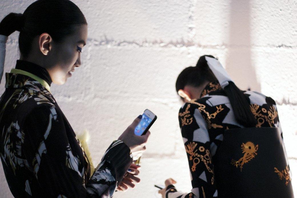 Paris Fashion Week FW 14: Бэкстейдж показа Kenzo. Изображение № 17.