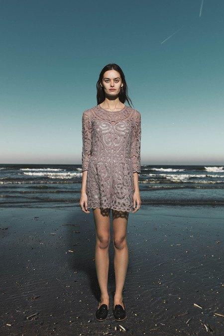 Леопардовые пальто и кружевные юбки в лукбуке Sea. Изображение № 4.
