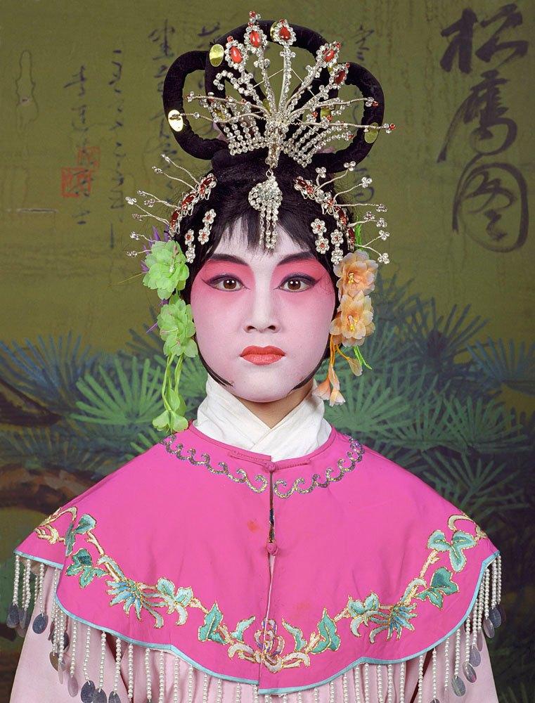 «Opera»: Студенты Пекинской оперы  в традиционных костюмах. Изображение № 12.