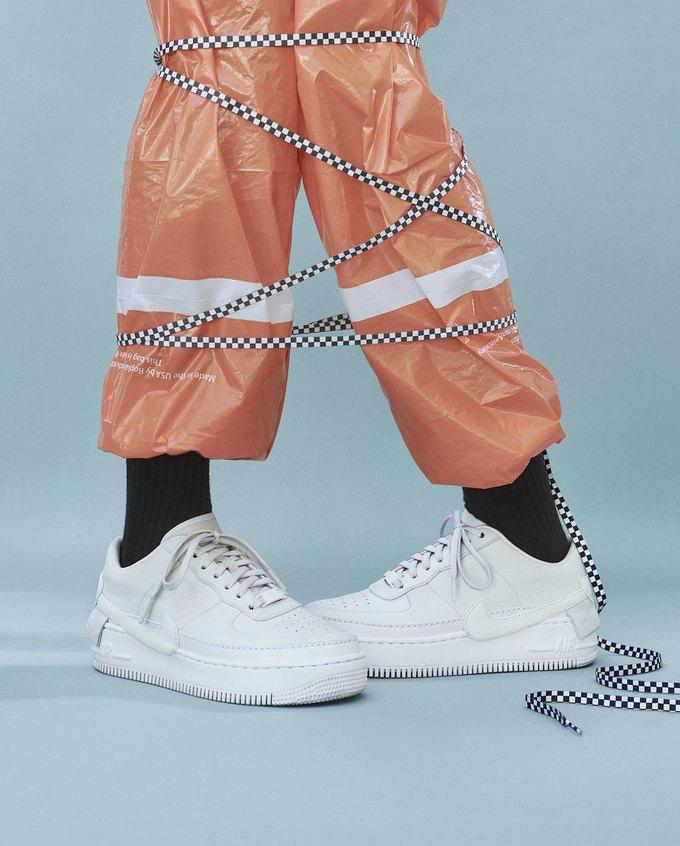 14 женщин-дизайнеров переосмыслили культовые кеды Nike. Изображение № 10.