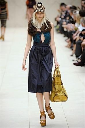 London Fashion Week: Показ Burberry Prorsum в Кенсингтонских садах. Изображение № 16.