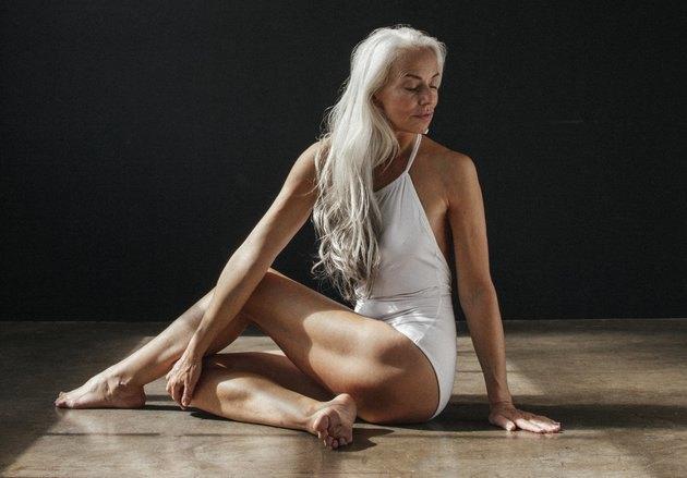 60-летняя модель снялась врекламе купальников