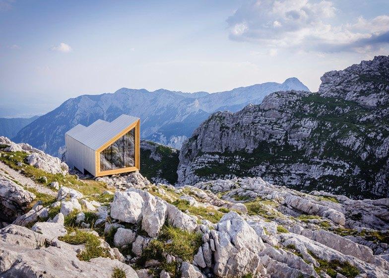 Горное убежище для хайкеров и альпинистов. Изображение № 2.