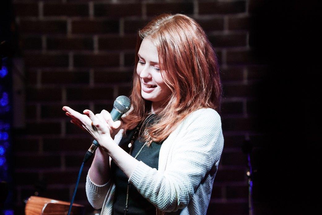 «Потому что я ей вмазал»: О чём шутят на открытых микрофонах. Изображение № 3.